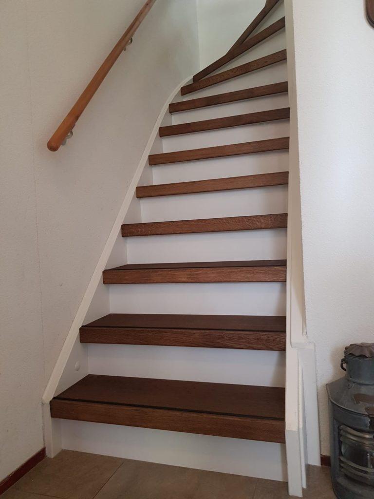 trap na traprenovatie recht trap met 1 draai boven