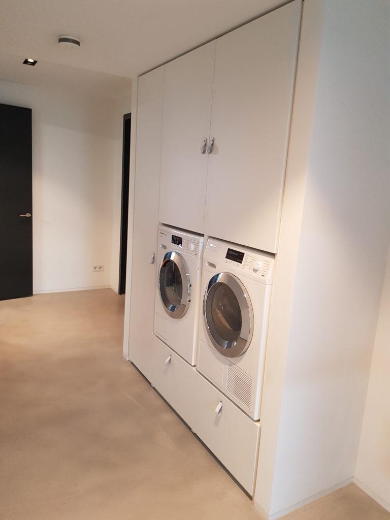 Wasmachinekast met deuren