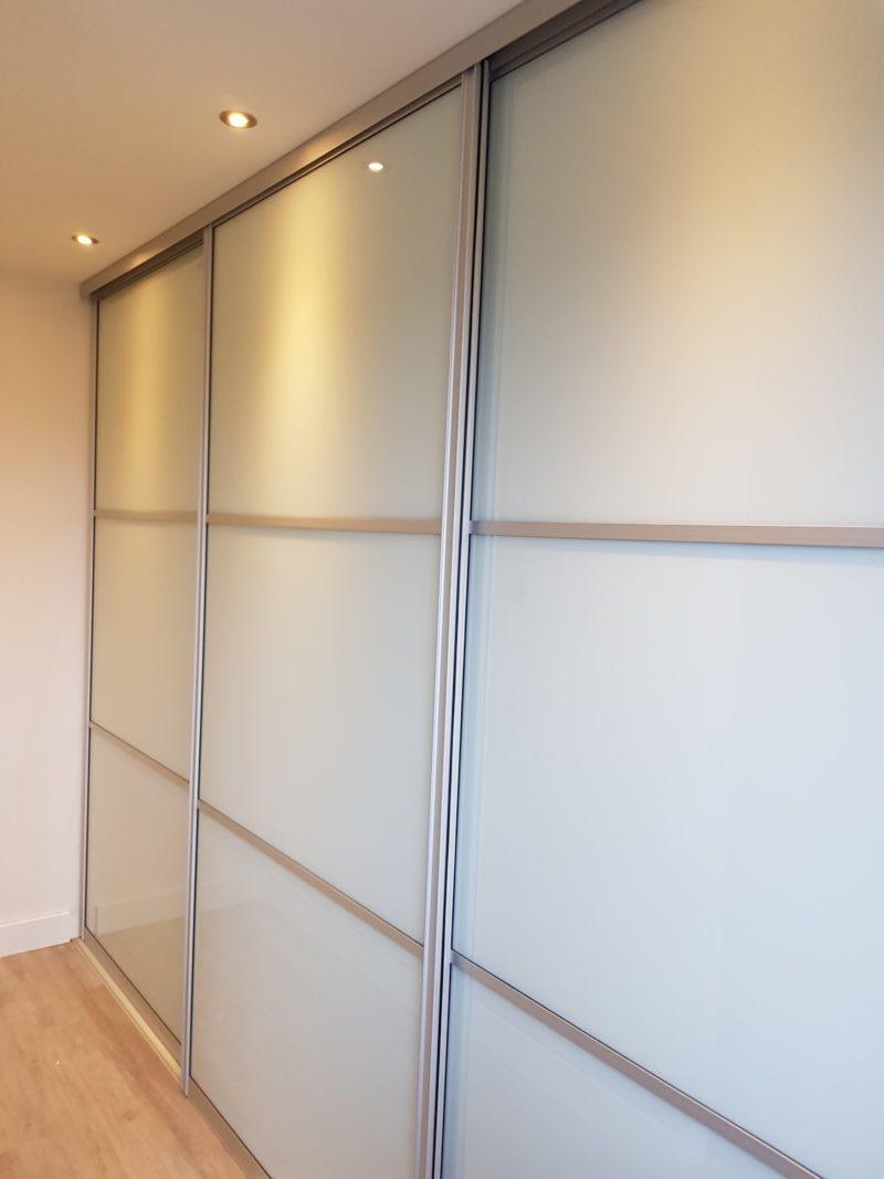 Deuren Voor Schuifkast.Schuifdeurkast Met Aluminium Omlijsting En Vakverdeling Arti Interieur