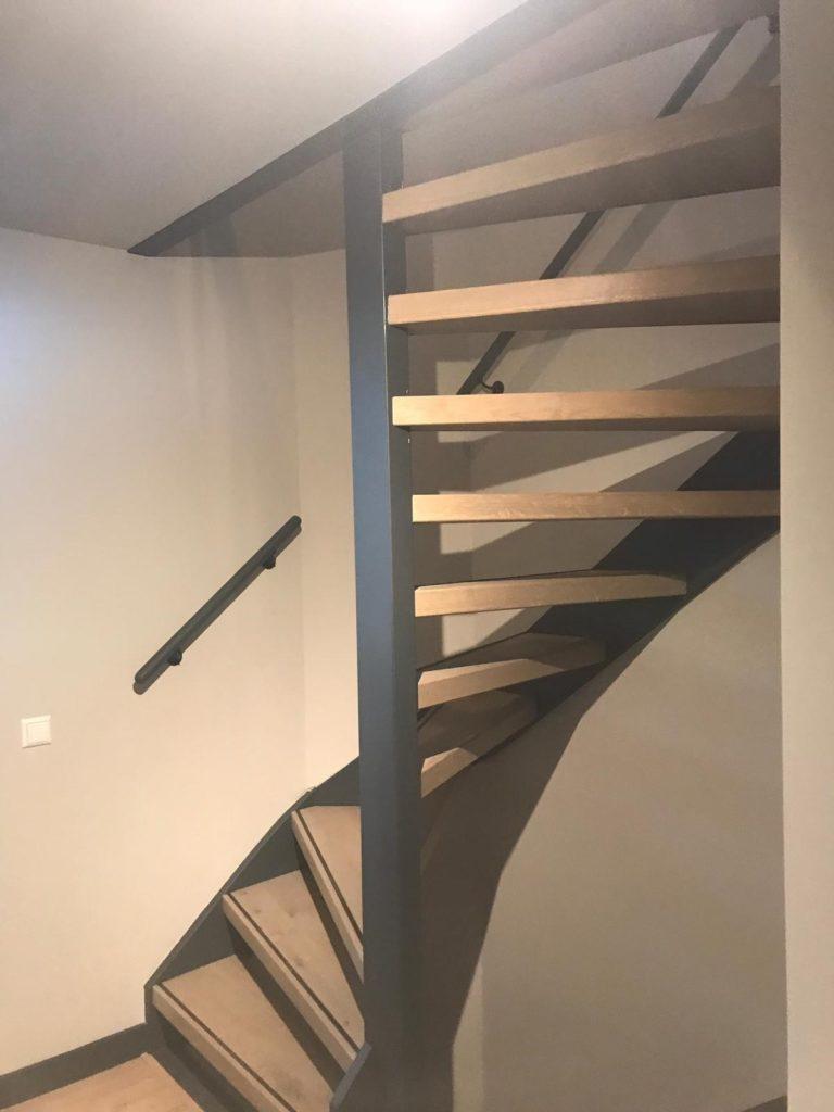 Traprenovatie open trap rondom bekleed