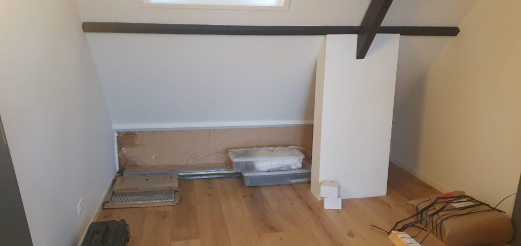 Ruimte voor inbouwkast en bed