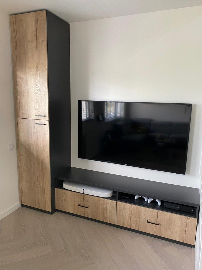 Televisiemeubel in de stijl van de keuken