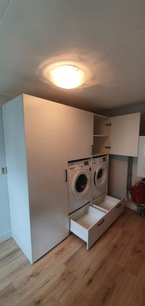 Wasmachinekast met lades en deuren